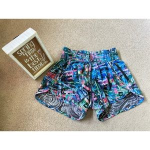 Lululemon Seawheeze Tracker Shorts Size 4